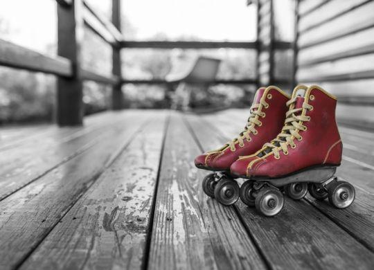 roller-skates-381216_1280